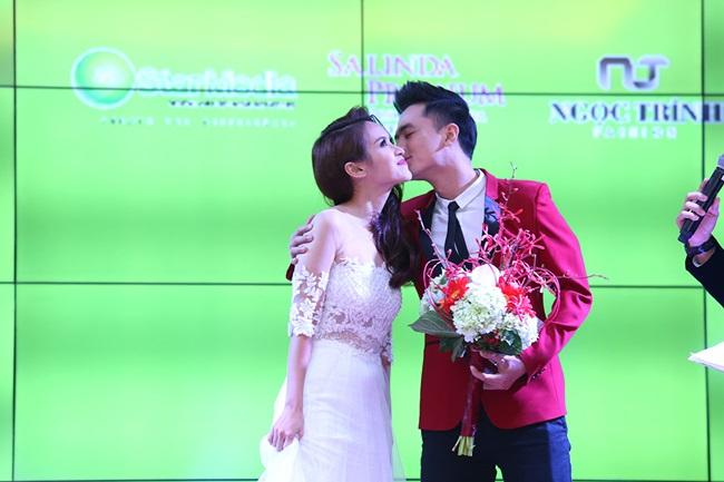 Minh Hằng, Sơn Tùng đoạt giải mỹ nhân - mỹ nam của năm - Ảnh 7