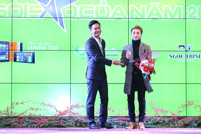 Minh Hằng, Sơn Tùng đoạt giải mỹ nhân - mỹ nam của năm - Ảnh 3