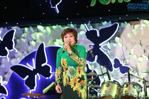 Nghệ sỹ Hoàng Lan nhận được 300 triệu đồng sau đêm nhạc từ thiện - Ảnh 13