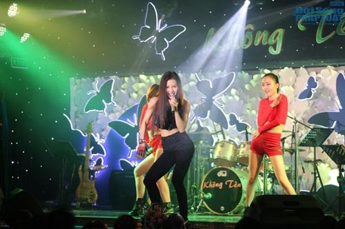 Nghệ sỹ Hoàng Lan nhận được 300 triệu đồng sau đêm nhạc từ thiện - Ảnh 11