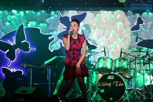 Nghệ sỹ Hoàng Lan nhận được 300 triệu đồng sau đêm nhạc từ thiện - Ảnh 7