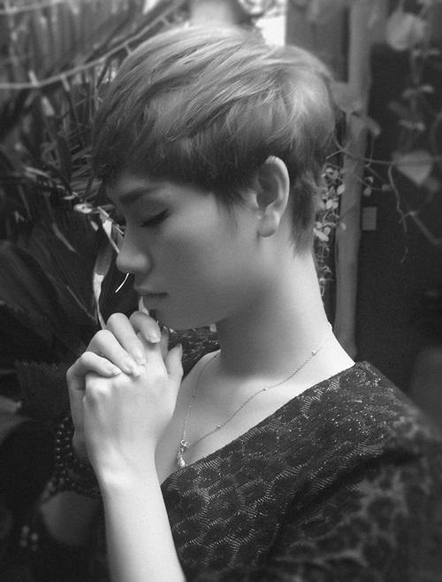 Hàng loạt nghệ sĩ cùng chụp ảnh cầu nguyện làm từ thiện - Ảnh 9