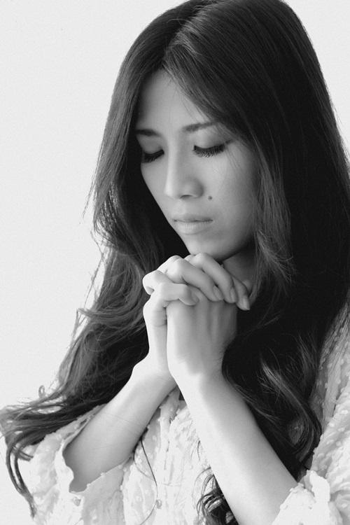 Hàng loạt nghệ sĩ cùng chụp ảnh cầu nguyện làm từ thiện - Ảnh 10