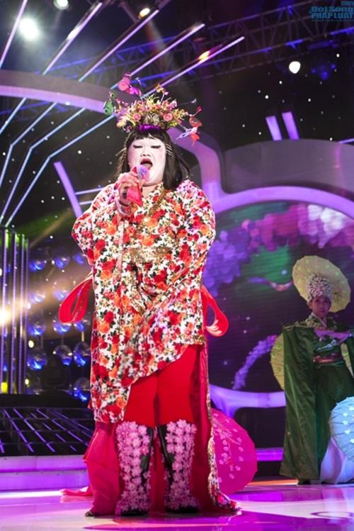 """Lăn lê bò toài trên sân khấu, Mi-a vượt Hoài Lâm """"ẵm"""" 100 triệu - Ảnh 7"""