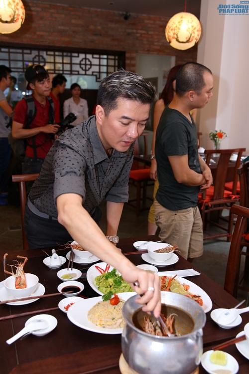Đàm Vĩnh Hưng vào bếp học nấu ăn - Ảnh 9