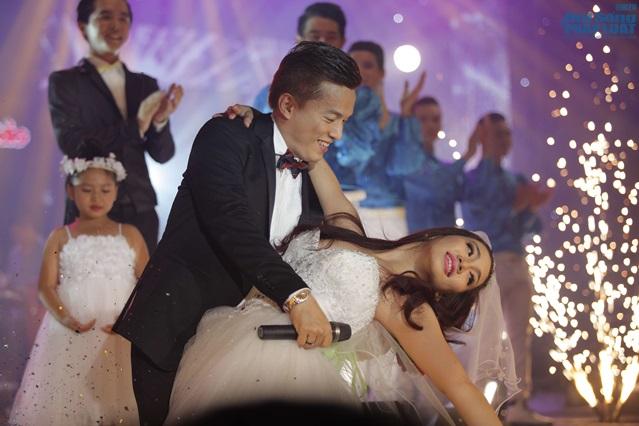 Lam Trường làm đám cưới trong liveshow hoành tráng - Ảnh 3