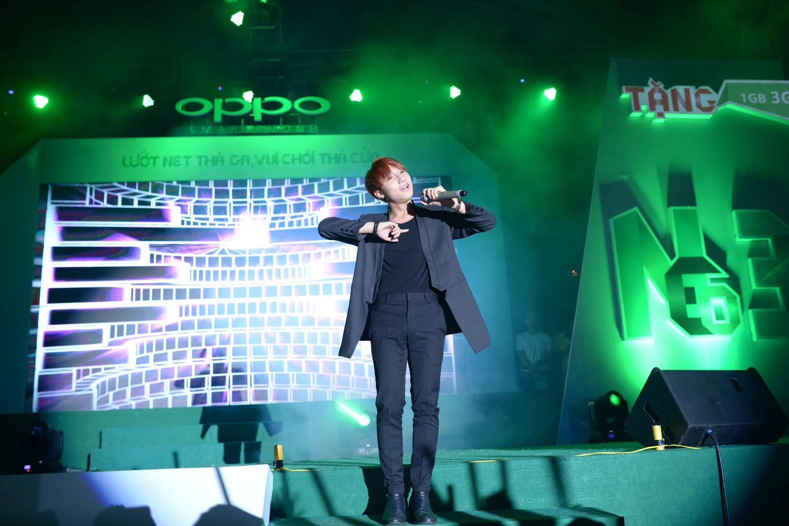 Sơn Tùng M-TP đem hit chinh phục 25.000 khán giả Buôn Ma Thuột  - Ảnh 10