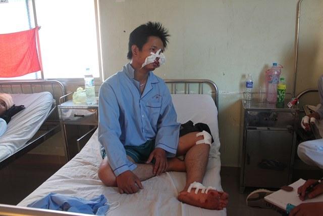 CSGT đạp người đi đường ngã chấn thương phải nhập viện cấp cứu? - Ảnh 4