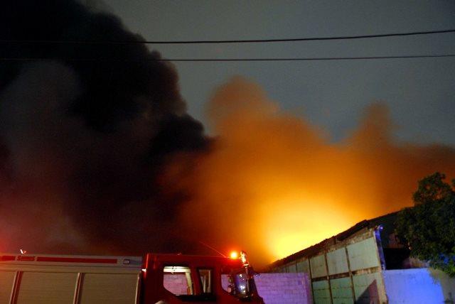 Cháy lớn khu xử lý chất thải rắn Gò Cát nằm trên QL1A - Ảnh 8