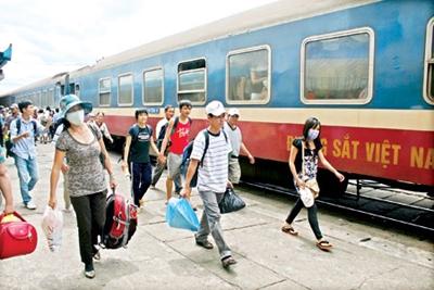 Ga Sài Gòn tăng chuyến, thêm tàu mùa tuyển sinh đại học 2014 - Ảnh 1