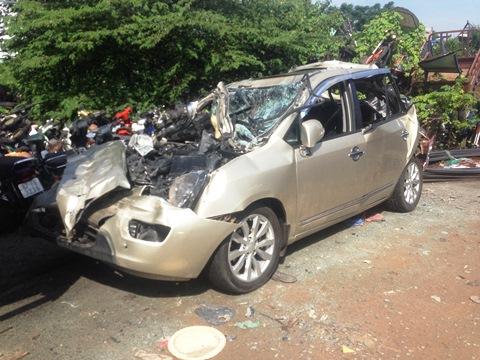 TP HCM: Tai nạn liên hoàn trên cầu vượt, 5 người bị thương - Ảnh 1