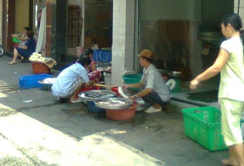 Khi đàn ông ngồi chợ - Ảnh 3