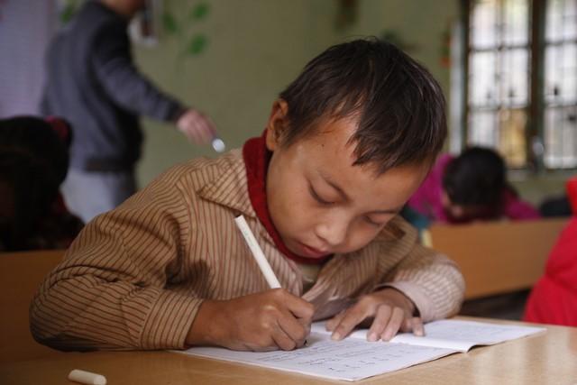 Chung tay tiếp sức đưa học sinh vùng cao đến trường - Ảnh 4