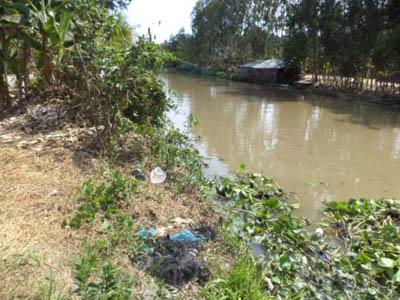 Bé gái 10 tuổi bị cưỡng hiếp, vứt xác xuống sông phi tang - Ảnh 1