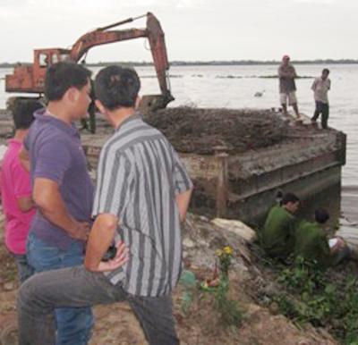 Sự thật vụ xác chết trôi sông bị trói 2 chân, buộc miếng xốp - Ảnh 2