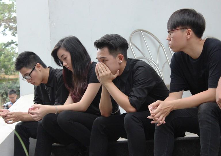 Tuấn Hưng đến chia buồn, An Nguy khóc nức nở tiễn Toàn Shinoda  - Ảnh 5