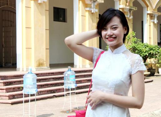 Ngắm nữ sinh Chu Văn An duyên dáng ngày bế giảng - Ảnh 5