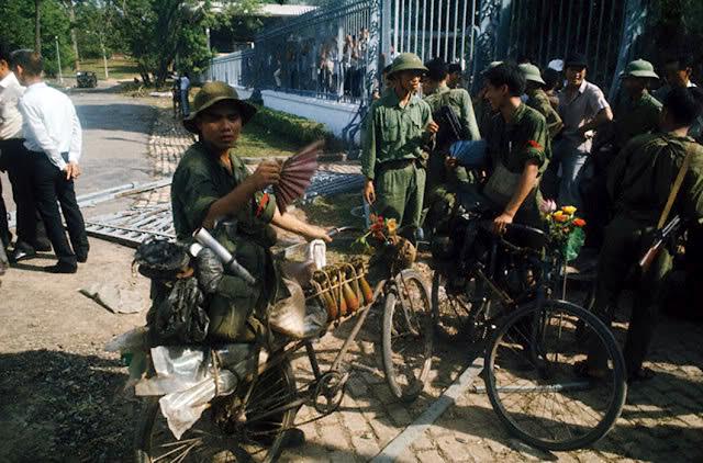 """Ký ức 30/4: """"Con đã vào đến Sài Gòn và… còn sống!"""" - Ảnh 2"""