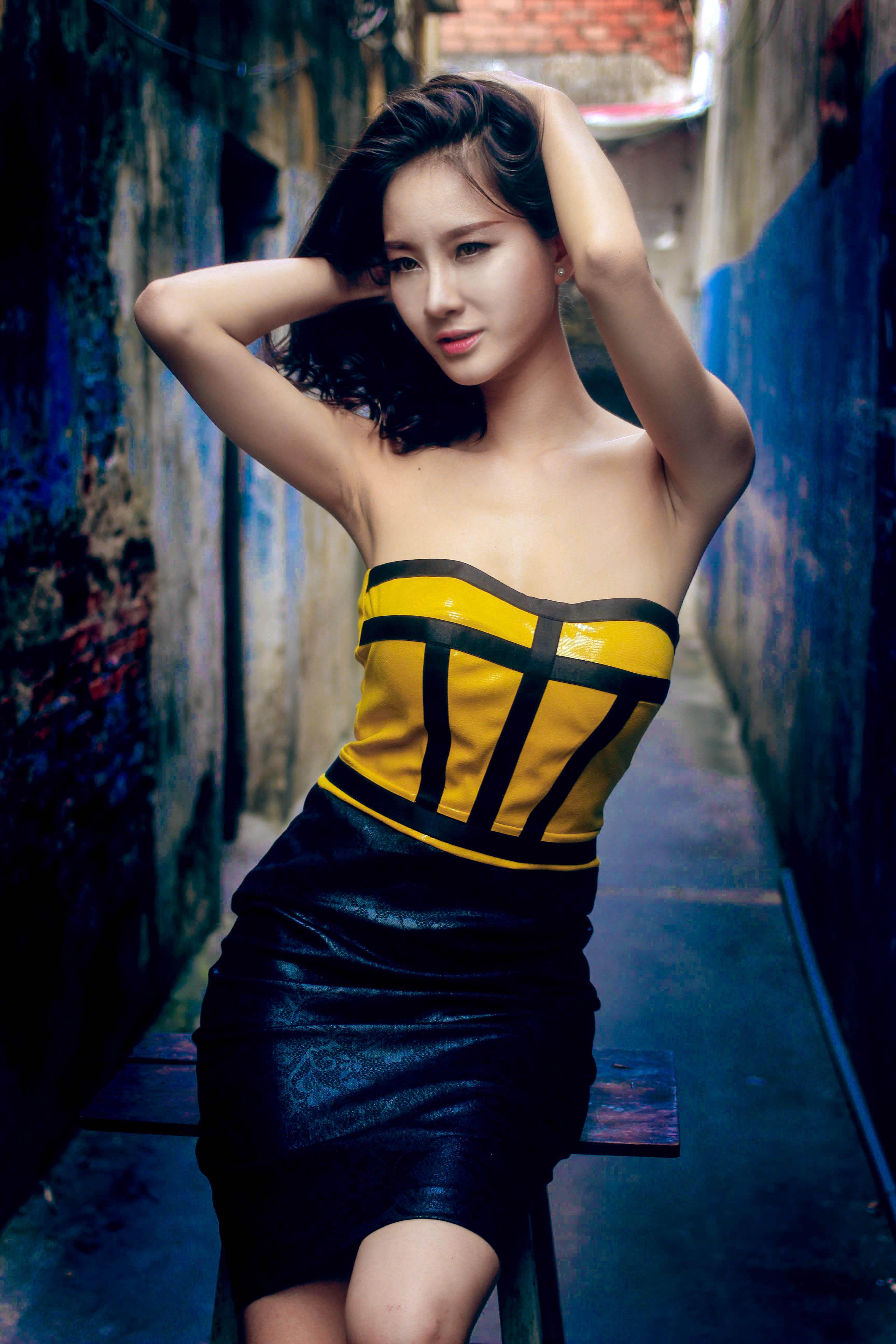 Bạn gái diễn viên Thái Chí Hùng quyến rũ đón thu - Ảnh 6