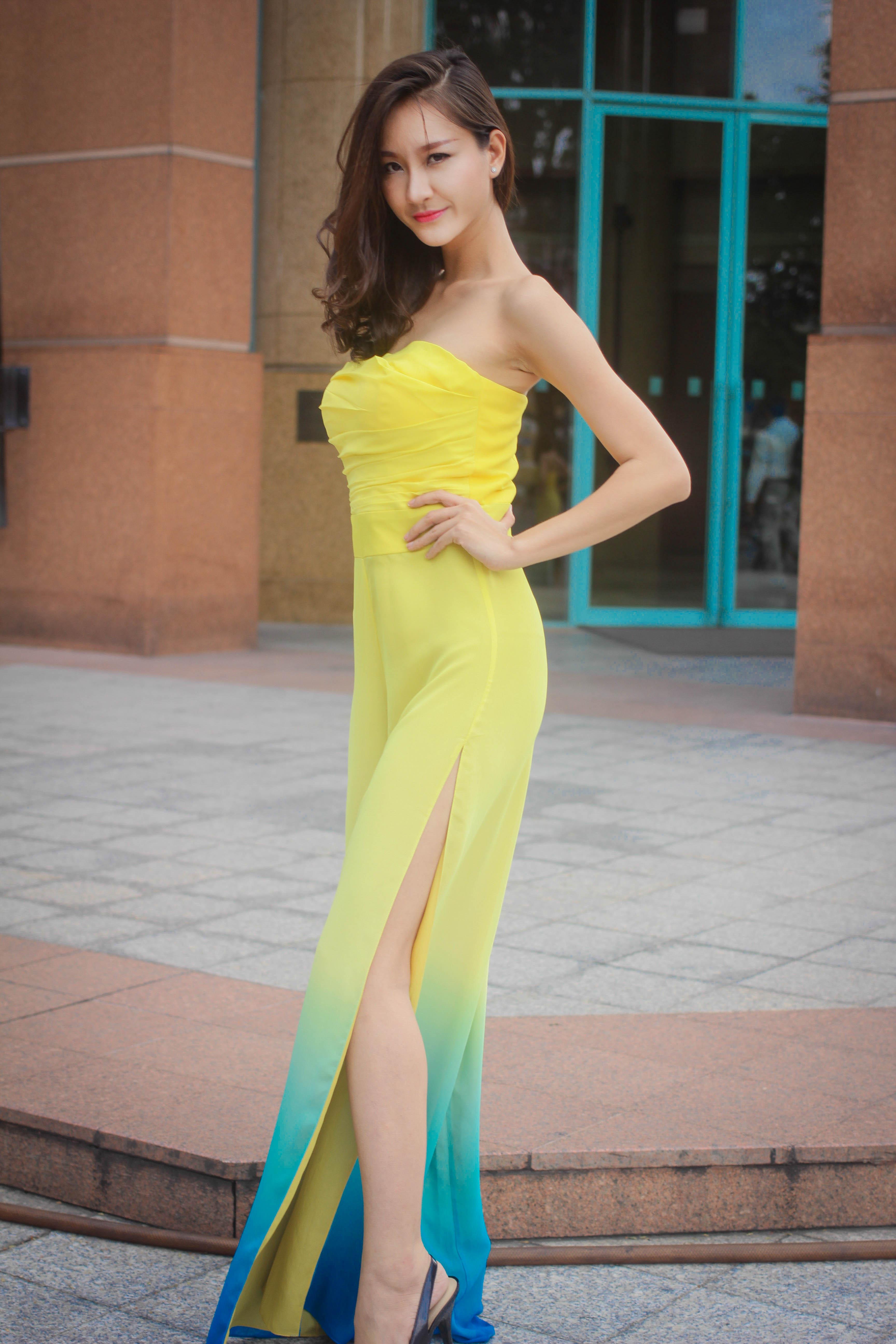 Bạn gái diễn viên Thái Chí Hùng quyến rũ đón thu - Ảnh 2