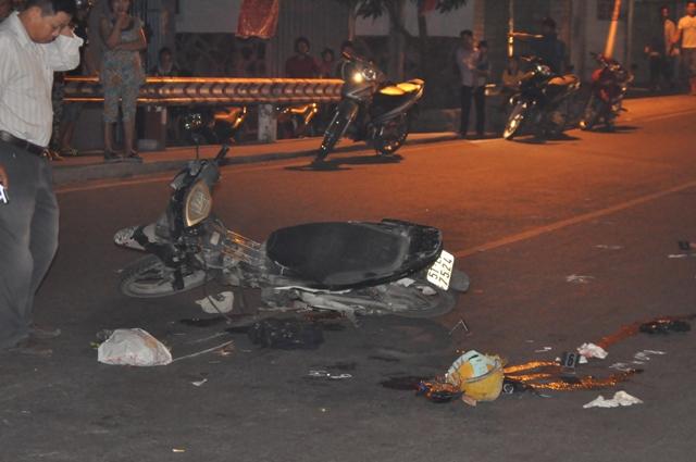 TP. HCM: Hai xe máy tông nhau, hai người nguy kịch - Ảnh 1