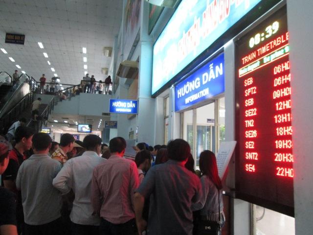 Ga Sài Gòn tăng cường tàu trong dịp Tết Dương lịch 2015 - Ảnh 1