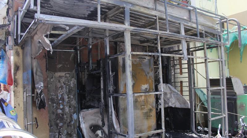 TP.HCM: Cháy chi nhánh ngân hàng, một người bị bỏng nặng - Ảnh 3