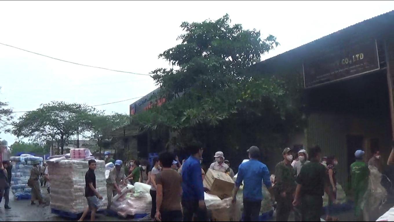 Cận cảnh cháy lớn tại nhà máy Diana Hà Nội - Ảnh 4