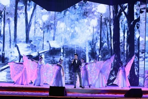 """Hồng Nhung phiêu trong """"Live concert – Đỏ"""" - Ảnh 6"""