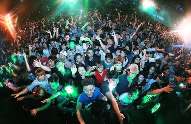 EDM - văn hoá của giới trẻ với thông điệp tích cực PLUR - Ảnh 2
