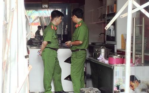 Vụ cháy 4 người tử vong ở Sài Gòn: Do chập điện ổ cắm tủ lạnh - Ảnh 1