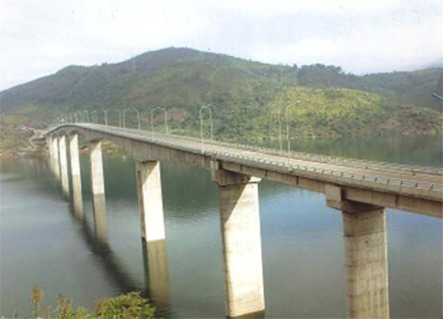"""Những cây cầu giữ kỷ lục """"nhất"""" Việt Nam - Ảnh 7"""