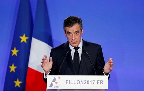 Cựu thủ tướng Pháp lên tiếng việc trả lương cho vợ con - Ảnh 1