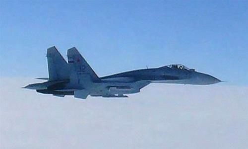 Máy bay trinh sát Mỹ bị tiêm kích Nga áp sát trên Biển Đen - Ảnh 1