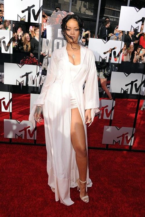 """Dàn sao lộng lẫy """"đọ sắc"""" trên thảm đỏ MTV Movie Awards 2014 - Ảnh 1"""