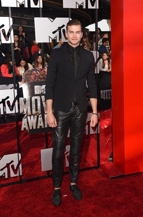 """Dàn sao lộng lẫy """"đọ sắc"""" trên thảm đỏ MTV Movie Awards 2014 - Ảnh 13"""