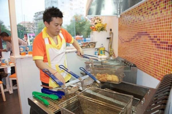 Sao nam trổ tài nấu nướng đảm đang hơn cả mỹ nhân Việt - Ảnh 10