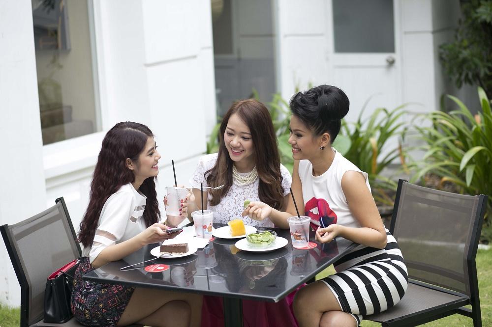 Phương Vy hẹn hò xuống phố với các hot girl - Ảnh 3