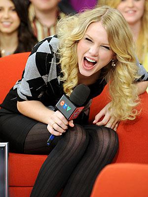 Những khoảnh khắc cười ra nước mắt của Taylor Swift - Ảnh 15