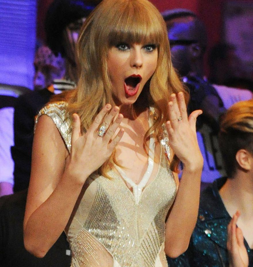 Những khoảnh khắc cười ra nước mắt của Taylor Swift - Ảnh 16