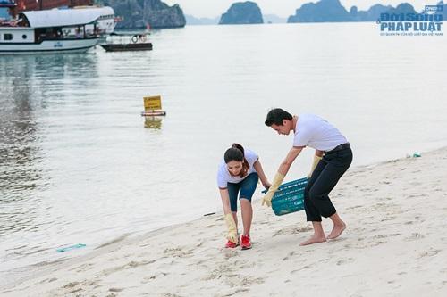 Nguyễn Thị Loan tích cực nhặt rác ở Vịnh Hạ Long - Ảnh 2