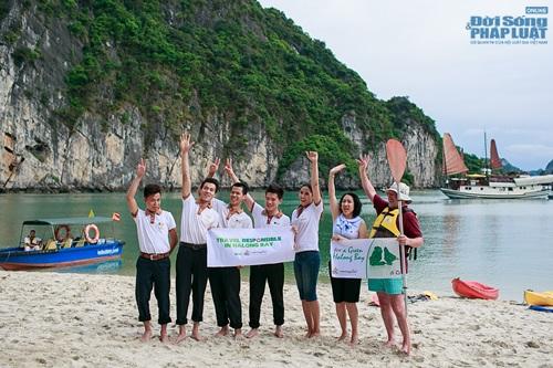 Nguyễn Thị Loan tích cực nhặt rác ở Vịnh Hạ Long - Ảnh 6