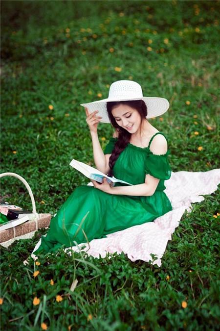 Sao Việt thướt tha, dịu dàng với váy maxi  - Ảnh 5