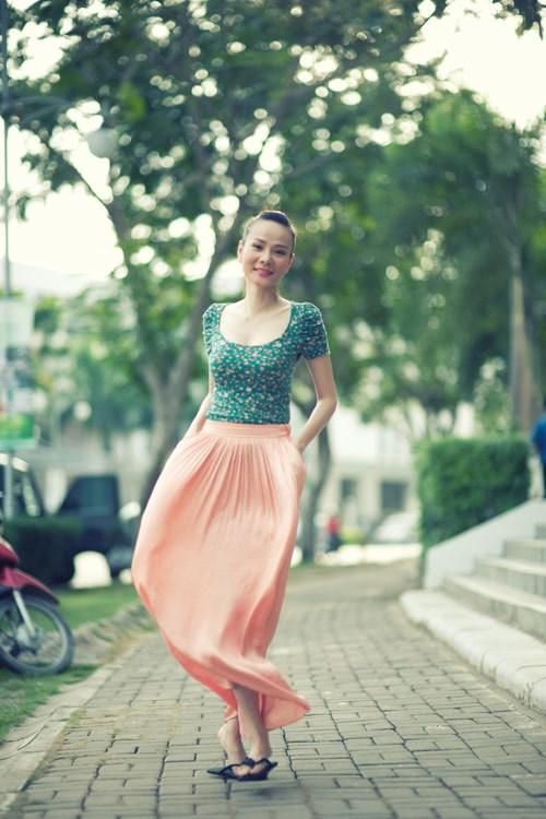 Sao Việt thướt tha, dịu dàng với váy maxi  - Ảnh 11