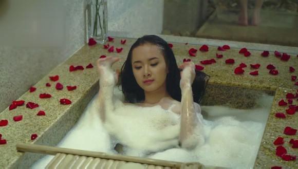 Những chiêu thức quay cảnh nóng chỉ có ở phim Việt - Ảnh 9