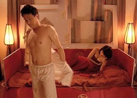 Những chiêu thức quay cảnh nóng chỉ có ở phim Việt - Ảnh 4