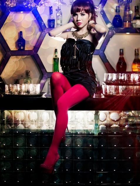 Trang phục diễn nóng bỏng của các DJ sexy nhất Vbiz - Ảnh 11