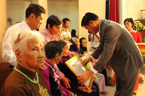 Phú Yên: Tặng danh hiệu Bà mẹ Việt Nam anh hùng cho 319 mẹ - Ảnh 1