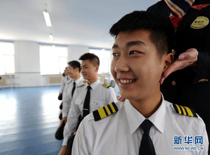 Bên trong lò luyện tiếp viên hàng không Trung Quốc - Ảnh 5