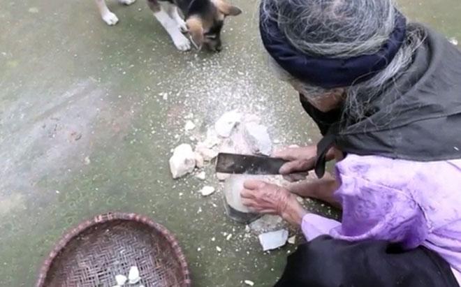 """Những người """"ăn đất"""" cuối cùng ở ngôi làng """"chuyện lạ Việt Nam"""" - Ảnh 3"""